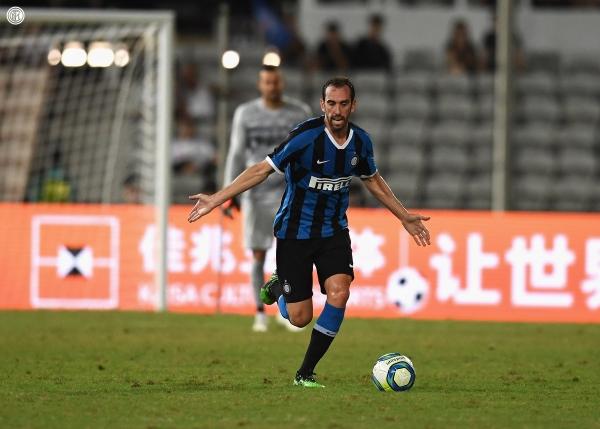 Después de una vida en el Atlético, Diego Godín se enfunda la neroazzurra para contribuir con el anhelo del Inter de volver a mejores épocas. (Foto: Prensa Inter)