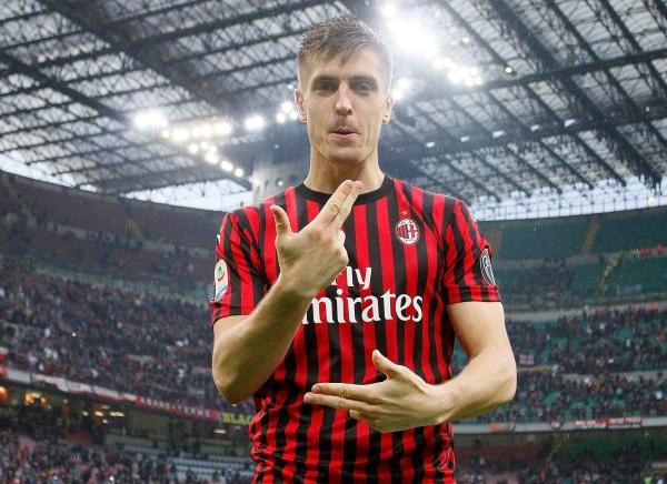 El seleccionado polaco Piatek vivirá su segunda temporada en San Siro. (Foto: Prensa AC Milan)