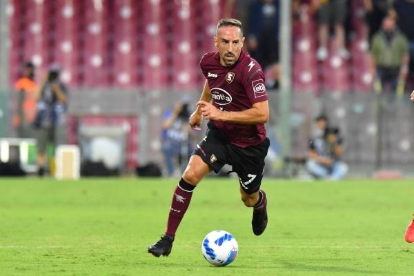 Ribéry, indudable apellido de jerarquía para las modestas pretensiones de la Salernitana. (Foto: AFP)