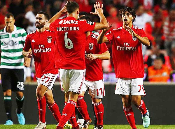 João Félix celebra uno de los goles marcados en la temporada. (Foto: Record)