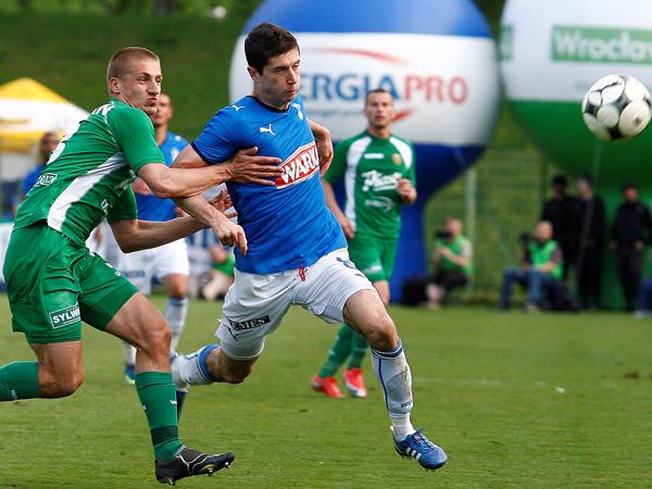 Robert Lewandoswki tuvo un desempeño notable con el Lech, compartiendo vestuario con Hernán Rengifo. (Foto: sport.se)