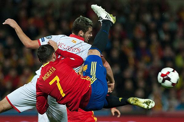 España cumplió lo esperado: derrotó fácilmente a Macedonia por 4-0. (Foto: AFP)