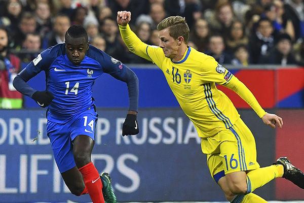 Francia remontó el marcador ante Suecia y lo ganó 2-1. (Foto: AFP)