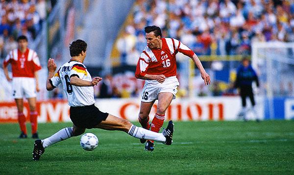 La entonces campeona del mundo Alemania no pudo vencer a la CEI en la Eurocopa 1992. (Foto: Corbis)