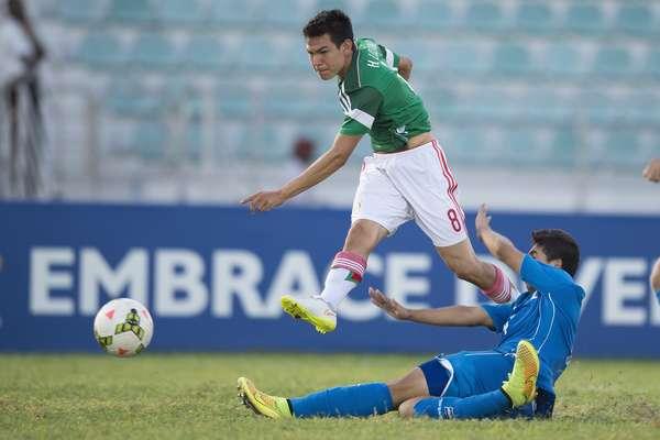 Hirving Lozano en acción con la Sub-20 de México. (Foto: Mexsport)