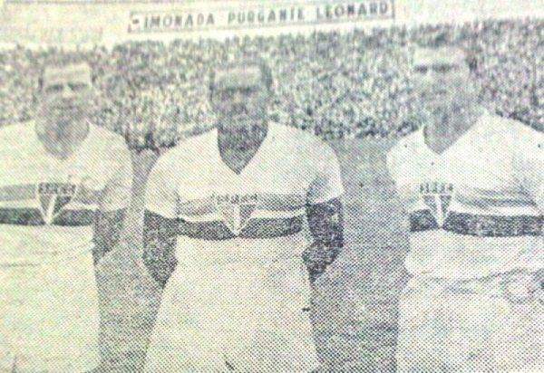 Ases paulistas en el estadio Nacional: Antonio Sastre, Leónidas da Silva y Remo (Recorte: diario La Crónica)