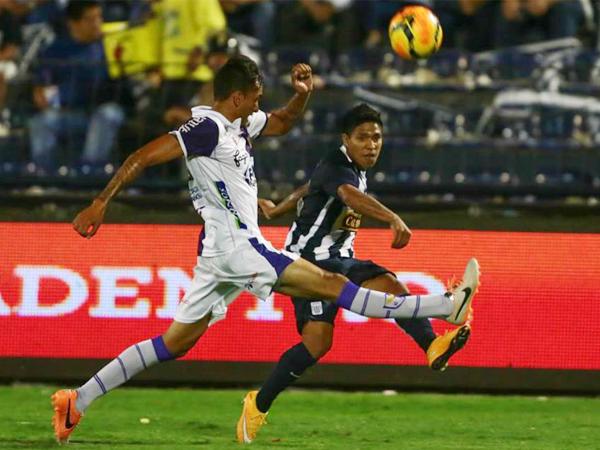 A pesar de jugar sólo el primer tiempo, lo de Willyan Mimbela fue muy interesante (Foto: Ovación Digital)