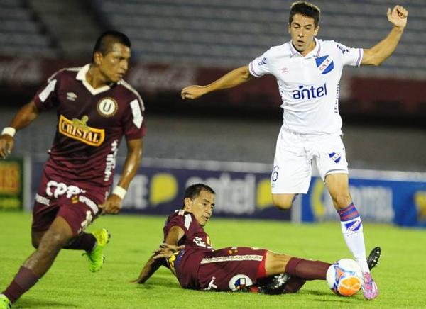Braynner García sería titular indiscutible en la zaga del conjunto de Oscar Ibáñez (Foto: diario El Observador de Montevideo)