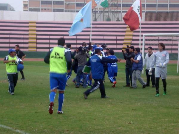LOS UNIDOS. Alianza Unicachi es una de las sensaciones del torneo. Se bajó al poderoso Juan Aurich y ahora enfrentará a Cristal. Ojo con los unicachinos. (Foto: Paul Arrese / DeChalaca.com)