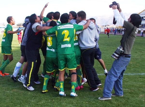 LA CELEBRACIÓN II. En Huancayo, los jugadores de la 'Amenaza Verde' vivieron un carnaval al clasificar a la final. Sport Ancash vive una temporada fenomenal. (Foto: Diario Primicia de Huancayo)