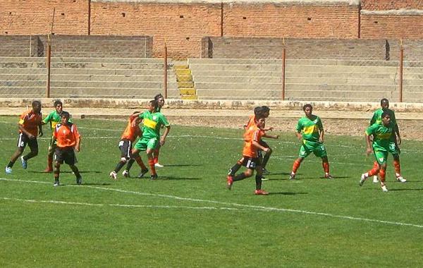 La historia y el presente enfrentados en la Copa Perú en un partido de la temporada 2008 entre Deportivo Junín y Sport Huancayo (Foto: archivo DeChalaca.com)