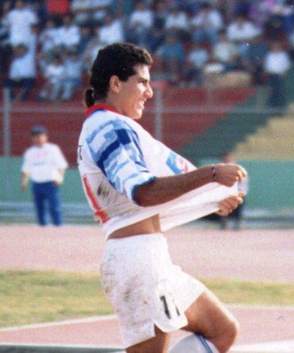 10. ARIAS. Gran goleador, entre 1993 y 1994 hizo vibrar al Mansiche con sus apariciones fantasmales (Foto: camannucci.com)