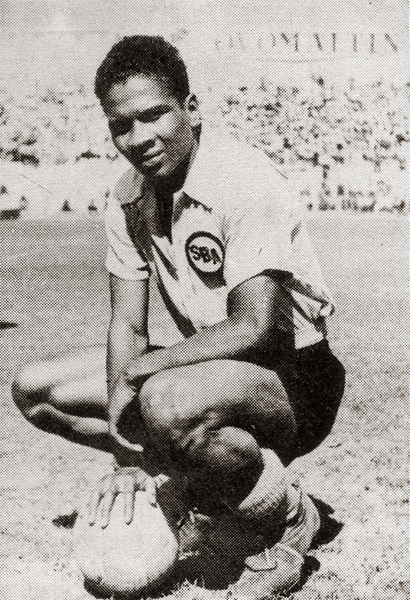 Valeriano López, un goleador completo que dejó impreso, para siempre, su nombre en el fútbol peruano (Recorte: libro '¡Vamos Boys!', Teodoro Salazar Canaval)