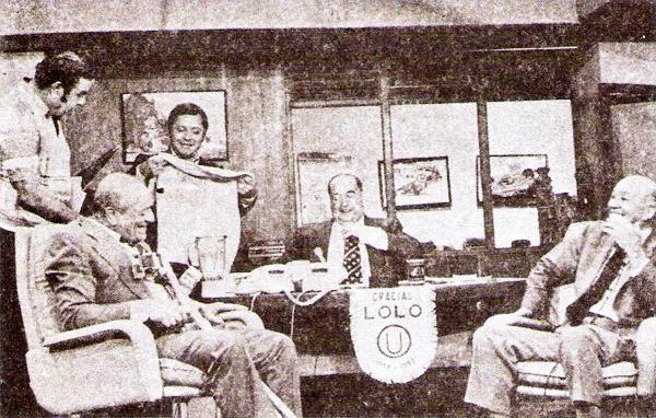 Años después de los hechos, 30 exactamente, 'Lolo' recibió el homenaje de Alfonso 'Pocho' Rospigliosi en su programa Gigante Deportivo al que también asistieron su hermano Arturo Fernández y Augusto Ferrando (Recorte: revista Ovación)