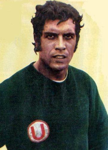 'H.H.' Ballesteros impuso su sello bajo los tres palos en los clubes que defendió, pero es en Universitario donde se lo recuerda más (Foto: cremasxsiempre.blogspot.com)