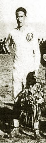 Con la crema, el color que tanto identificó a Mario de Las Casas, uno de los próceres de Universitario (Recorte: revista El Gráfico Perú)