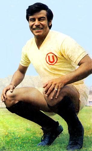 'Cachito' Ramírez fue sinónimo del gol en cada año y con cada una de las camisetas que defendió (Recorte: revista Ovación)