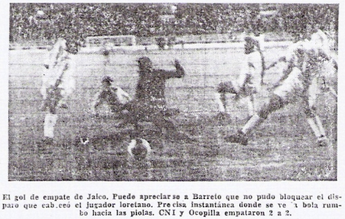 El tanto que Jaico marcó en el arco de Ocopilla para CNI en la Copa Perú de 1969. Como hoy, fue en el arco Norte, de cabeza, al minuto 86 y para sellar un 2-2 (Recorte: diario La Crónica)