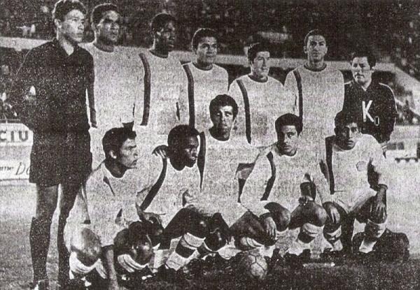 1969. Un año después de su primera Copa Perú, Mannucci vuelve a ganar el certamen del fútbol macho con esta oncena en una nueva noche gloriosa ante Melgar (Foto: diario La Crónica)