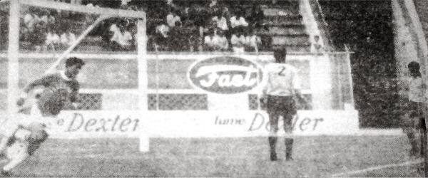 En la Finalísima de 1969, Salesianos consiguió su única victoria del torneo a costas de Unión Ocopilla. Fue el primer tope entre equipos de Puno y Junín (Recorte: diario La Crónica)