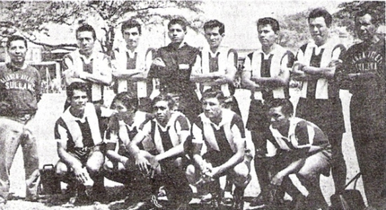 El equipo de Alianza Atlético en 1970, año de sus Bodas de Oro. Con esta formación, logró por cuatro años consecutivos la Liga Distrital de Sullana (Foto: diario El Tiempo de Piura)