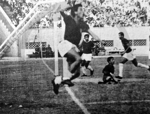 El grito de gol de Lizandro Rivas sacude el Nacional luego del primer tanto de Torino en la valla del Casa Grande (Recorte: diario La Crónica)