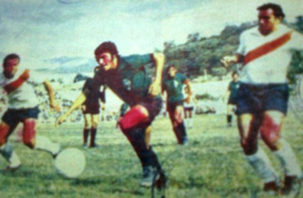 Escenas del partido entre Sportivo Huracán y Alfonso Ugarte de Puno, por la Zona A - Región Sur, que determinó la clasificación del 'Globito' a la Finalisima de la Copa Perú (Recorte: diario El Pueblo de Arequipa)