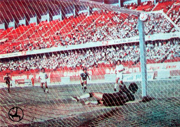 Deportivo Tintaya sufrió la primera goleada del Cañaña en su camino hacia el título (Recorte: diario La Crónica)