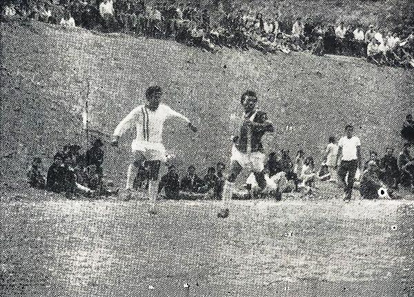 Alfonso Ugarte y José Gálvez en pleno partido. (Foto: Diario La Crónica)