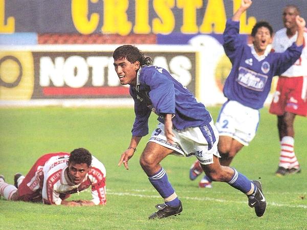 Tras militar en Deportivo Pesquero, Julio Besada fue el hombre clave en UPAO con sus goles ante Alfonso Ugarte en las finales disputadas en Trujillo y Lima. (Foto: Don Balón Perú)