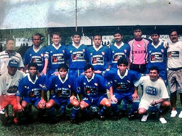 Con las sedas del CNI, Gaya llegó a la semifinales de la Copa Perú en 2002 (Foto: Facebook)
