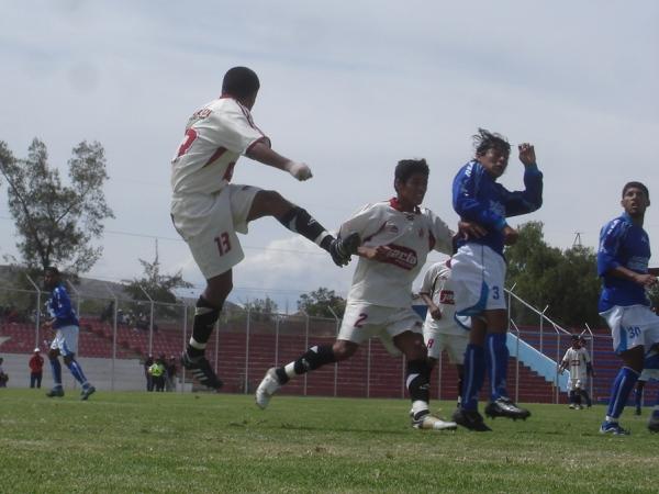 OCTAVOS DE FINAL (IDA). Enfrentamiento ante León de Huánuco en el Ciudad de Cumaná y un 3-1 que, en cierta forma, ya ilusionaba a los estudiantiles (Foto: Ciro Madueño)