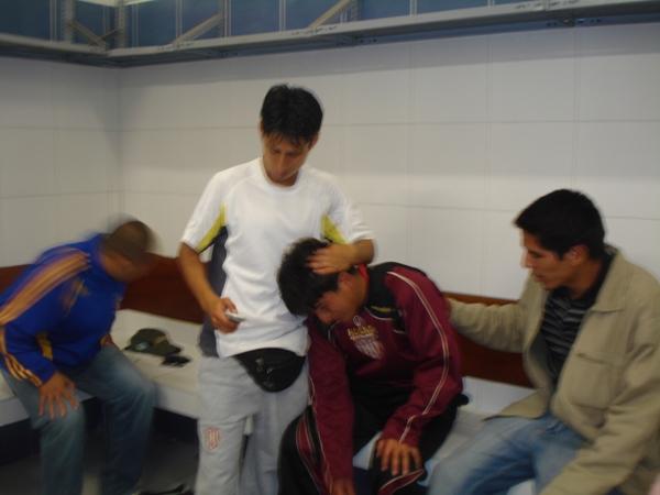 CANDIDATA 8. La tristeza es indescriptible en Universitario de Trujillo. Su mala fortuna en los lanzamientos de penales tiraron al tacho toda una campaña llena de galardones en las instancias previas (Foto: Carlos Asmat)