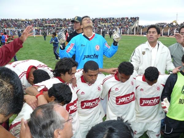 RETORNO A LOS PRIMEROS PLANOS. León cayó 2-1, pero consiguió su clasificación a la gran final de la Copa. En el peor de los casos, jugara en Segunda División (Foto: Hernán Valencia / diario Los Andes)
