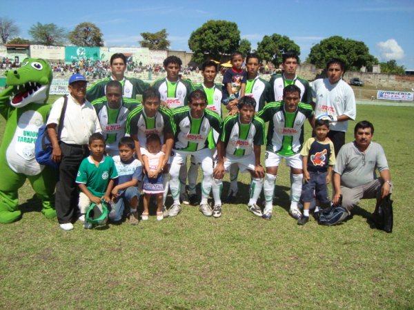ESTÁ A TIEMPO. Unión Tarapoto recuperó el paso en su feudo, luego de haber sufrido una rotunda goleada en Trujillo (Foto: revista Gol de Oro de Tarapoto)