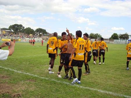 Los 'canarios' del Deportivo Cali arrancaron ganando 3-1 en Tarapoto (Foto: Revista Gol de Oro)