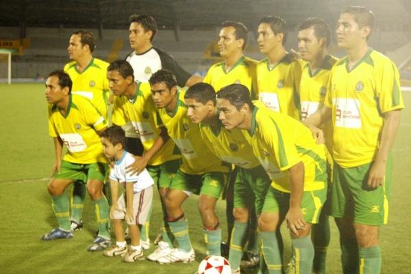DEPORTIVO UNAP. El cuadro amarillo parecía eliminado, pero forzó un partido extra con Bancos para clasificar a octavos (Foto: Javier Medina Dávila)