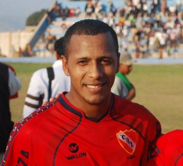 El 'Fantasma' Espinoza (ex-Independiente de Cañete) será uno de los refuerzos de La Rural para la Etapa Regional (Foto: Pepe Malper)
