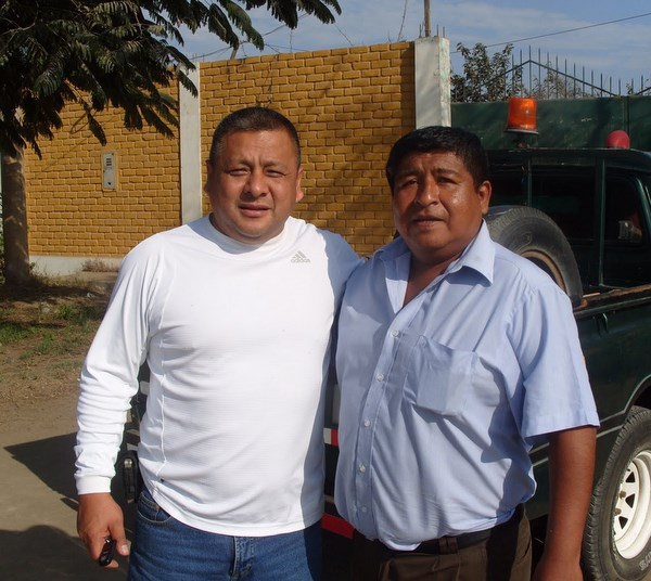 Antonio Chinen junto a Víctor Zegarra, dos personajes que vienen sacando adelante a La Rural en la Copa Perú (Foto: Luiggi Gamarra)