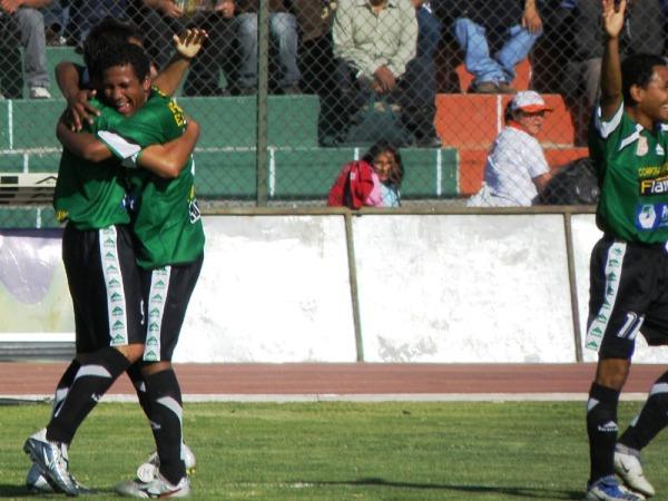 SE ACABÓ Y PUNTO. En tiempo adicional, Carlos Yucra selló el 4-1 definitivo con el que Sportivo Huracán dejó en el camino al cuadro cusqueño. (Foto: Iván Carpio / DeChalaca.com)
