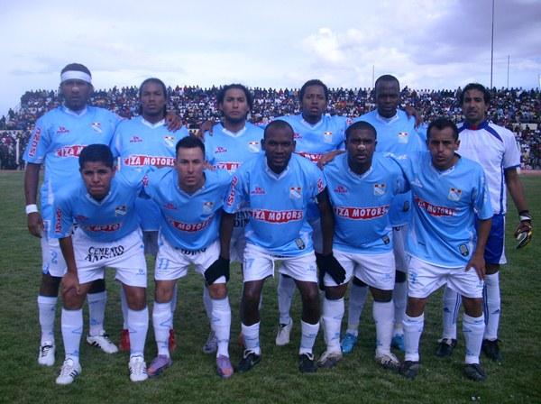 SIN PINTA. Los jugadores de ADT no mostraron su mejor juego en Puno. Queda en ellos remontar el marcador adverso para avanzar a la final de la Copa Perú. (Foto: Diario Los Andes)