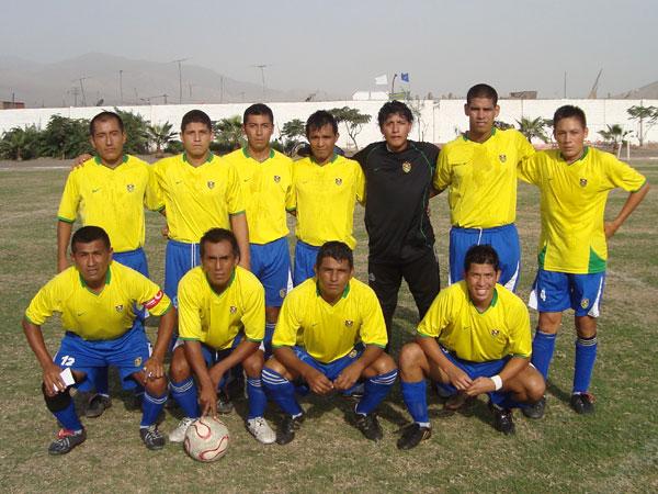 3. MARINERO ROBLES. El equipo apoyado por la Marina de Guerra del Perú es el subcampeón de Ancón (Foto: Paul Arrese / DeChalaca.com)