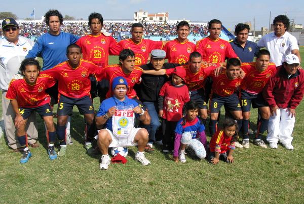 IMPARABLE ANDAR. Con algunas caras nuevas, Juventud Barranco prosiguió con su buena racha al debutar con pie derecho en la Etapa Regional. (Foto: Radio Líder Chancay)