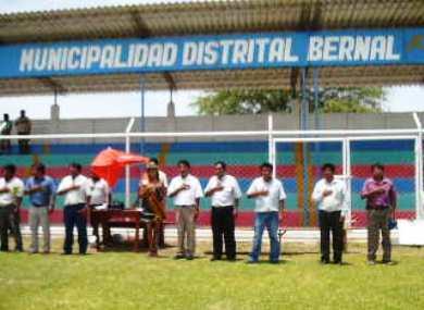 Imagen correspondiente a la inauguración de la Liga Distrital de Bernal, en Piura. En aquel torneo, un partido tuvo que ser suspendido por la ausencia de canilleras en uno de los jugadores (Foto: Javier Benítez)