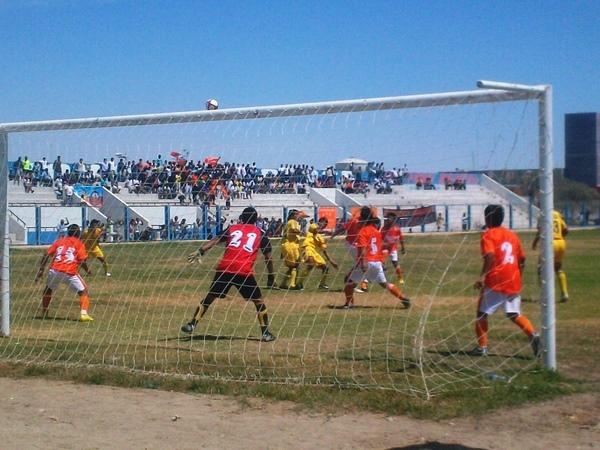 ILUSIONABA A TODOS. José Olaya facturó rápidamente dos goles sobre la valla rival y hacía pensar en una cómoda victoria. (Foto: Jesús Chinga)