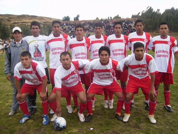 SANTA ROSA. Los oriundos del distrito de Cátac quieren repetir la buena campaña de 2010 y continuar siendo el orgullo de su tierra. (Foto: Panorama Huaraz)