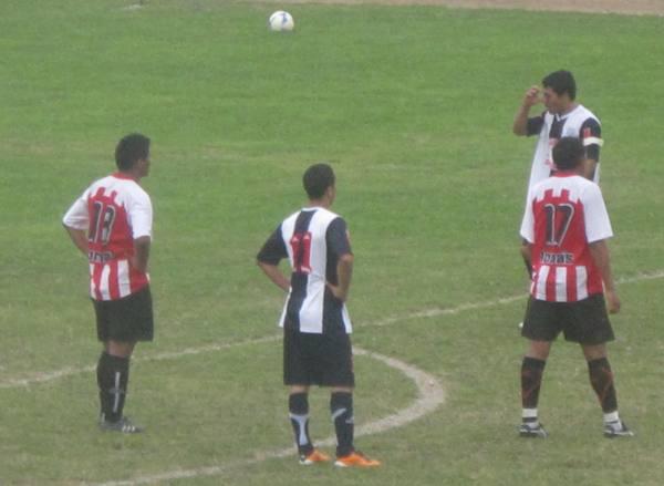 VAN POR LA GLORIA. Unión Huaral y Alianza Las Salinas representarán a su provincia en su próximo periplo por la Etapa Departamental de Lima 2011. (Foto: Radio Líder Chancay)