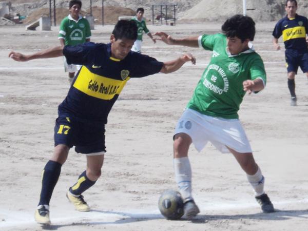 ABOCADOS A SALVARSE. Boca Juniors logró derrotar a Valle Hermoso y se salvó de del descenso. En tanto, el conjunto 'verde' perdió la categoría. (Foto: Aldo Ramírez / DeChalaca.com)