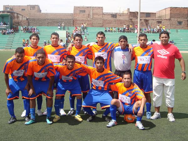 LEONCIO PRADO. Subcampeón de la Liga Distrital de San Miguel. (Foto: Paul Arres / DeChalaca.com)