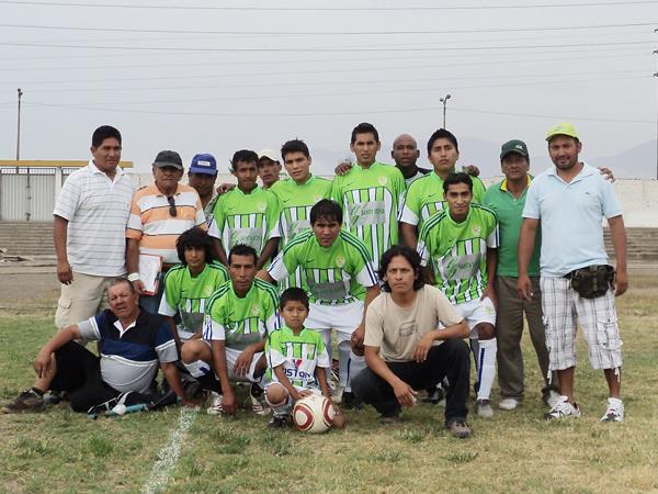 DEPORTIVO OVACIÓN. Campeón de la Liga Distrital de Ancón. (Foto: Aldo Ramírez / DeChalaca.com)